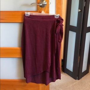 Sole Mio faux suede wrap midi skirt wine red Med